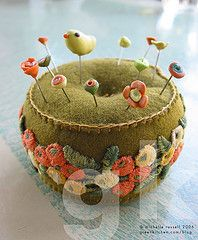 PIN CUSHIONS Who could resist a pincushion that is a wee mousie on a little pin box? Or a flower topped tiny tuffet made fr. Fabric Art, Fabric Crafts, Sewing Crafts, Needle Book, Needle Felting, Needle Case, Art Fil, Felt Pincushions, Felt Embroidery