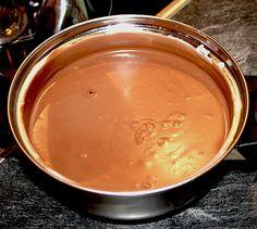 Ganache mit QimiQ, ein leckeres Rezept aus der Kategorie Cremes. Bewertungen: 10. Durchschnitt: Ø 4,3. Ganache Torte, Fondant, Icing, Peanut Butter, Pudding, Cream, Desserts, Food, Frostings