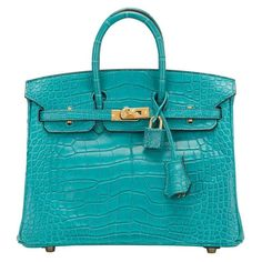 Birkin 25 crocodile handbag Hermès Turquoise in Crocodile - 6466585 Hermes Bags, Hermes Handbags, Fashion Handbags, Leather Handbags, Blue Handbags, Birkin 25, Hermes Birkin, Crocodile Handbags, Prada