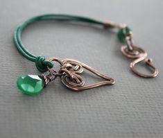 Emerald green copper bracelet with heart and green onyx briolette dangle  - Leather bracelet - Heart bracelet