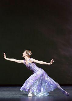 Zenaida Yanowsky in Alexei Ratmansky's 24 Preludes. © Johan Persson, ROH. #Ballet_beautie #sur_les_pointes *Ballet_beautie, sur les pointes !*