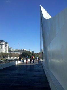 Puente de la mujer (Woman's bridge?)