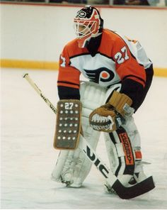 27, Ron Hextall Goalie Pads, Goalie Gear, Hockey Goalie, Ice Hockey, Flyers Players, Flyers Hockey, Hockey Games, Hockey Players, Vancouver Canucks