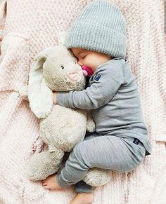 Fashion kids boy style baby names Ideas So Cute Baby, Baby Kind, Cute Kids, Baby Baby, Adorable Babies, Newborn Baby Photos, Child Baby, Newborn Shoot, Newborn Baby Boy Clothes