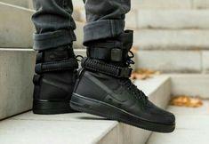 Get the nike high triple black on black friday Cute Nike Shoes, Cute Nikes, Nike Shoes Outfits, Mens Fashion Shoes, Sneakers Fashion, Sneakers Nike, Adidas Fashion, Fashion Outfits, Sock Shoes