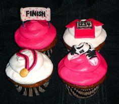Cupcakes Take The Cake: Running themed cupcakes for the NYC Marathon Cupcake Art, Cupcake Cookies, Cupcake Ideas, Cupcake Queen, Yummy Cupcakes, Dessert Ideas, Running Cake, Running Shoes, Sport Cakes