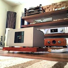 World Class electronic stack with the CH Precision A1 power amp and D1 DAC, Kronos Pro turntable and Burmester 100 phono stage, Aurender X100L and Tenor Audio phono pre.
