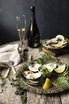 GRILLED OYSTER WITH JAPANESE & SPANISH DRESSING.HOW TO OPEN AN OYSTER. OSTRAS A LA PARRILLA CON ALIÑO JAPONÉS Y MANCHEGO. COMO ABRIR UNA OSTRA