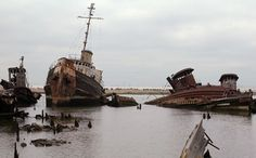 Staten Island Boat Graveyard-- Arthur Kill Rd hear Rossville Ave (13 miles from ferry terminal).