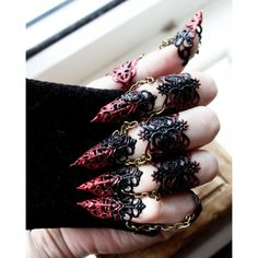 Ebony Armour Full hand set Midi Claw Rings Red and Black Adjustable ($53) ❤ liked on Polyvore featuring jewelry, hands, weapon, talon jewelry, claw jewelry and red and black jewelry