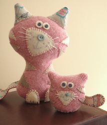 felted pink kitties