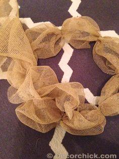 How To Make Deco Mesh Wreath | www.decorchick.com