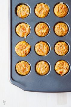 Need a simple lunch idea? These easy lunchbox mini quiches are perfect for a quick lunch! Mini Quiche Recipes, Lunch Box Recipes, Lunch Snacks, Easy Snacks, Lunch Ideas, Snacks Kids, School Snacks, School Lunch, Meal Ideas