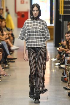 Coleção // Samuel Cirnansck, SPFW, N44 // Foto 37 // Desfiles // FFW Samuel Cirnansck, Streetwear, Moda Casual, Marcel, New Girl, Striped Pants, Ideias Fashion, Runway, Style