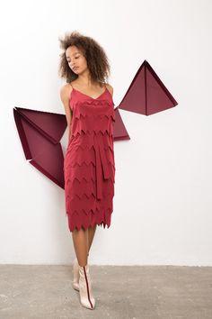 IMRECZEOVA SS18 cherry red silk layered zig-zag dress Zig Zag Dress, 60 Degrees, Red Silk, Cherry Red, Shoulder Dress, Dresses, Fashion, Vestidos, Moda