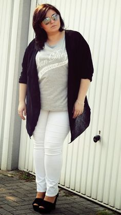 CONQUORE · The Fatshion Café | Plus Size Blog: What I've learned wearing white pants as a plus size girl