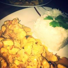 Curry Chicken And Rice, Love Food, Cauliflower, Food Porn, Healthy Eating, Foods, Meat, Vegetables, Gluten Free
