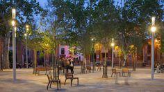 Als onderdeel van een herinrichtingsplan speelt de Shuffle van Schréder, uitgerust met verlichting, camera en WiFi modules, een sleutelrol in de vernieuwing van het Saint Pierre plein in Toulouse.