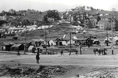 Dolores Park used as a refugee camp after the 1906 San Francisco earthquake and fires San Francisco Earthquake, Victorian Photos, San Francisco Travel, Most Beautiful Cities, World's Fair, Jpg, Pacific Ocean, Tent Camping, Back In The Day