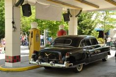 Click the pin to learn all about the rod run in Pigeon Forge!