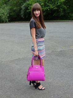 House Of Jeffers wearing @boohoo skirt, @kate spade new york handbag and Modern Vice shoes. #ootd #pink #katespade #prints