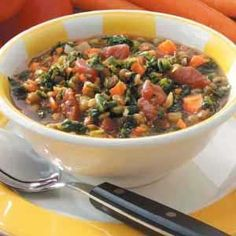 Spinach Lentil Stew Recipe- Recipes When my children requested more vegetarian dishes, this chunky stew became a favorite. Red wine vinegar perks up the flavor and carrots add color. We like to ladle helpings over cooked rice. Lentil Recipes, Soup Recipes, Vegetarian Recipes, Cooking Recipes, Healthy Recipes, Chilli Recipes, Salad Recipes, Recipies, Spinach Lentil Soup