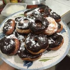 Resep Donat super empuk + tips oleh Evi Wijayanti - Cookpad Doughnut, Donuts, Food And Drink, Baking, Cake, Tips, Desserts, Dress, Dessert Ideas