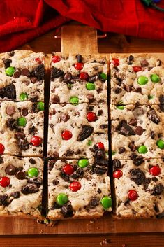 Best Christmas Desserts - Recipes for Festive Holiday Desserts Best Christmas Desserts, Holiday Treats, Holiday Recipes, Christmas Cookies, Christmas Appetizers, Dessert For Christmas Party, Christmas Brownies, Christmas Brunch, Christmas Foods