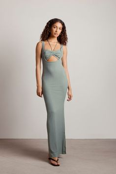 Steal the show in California fashion dresses for spring break. A Green Ribbed Cut Out Slit Bodycon Maxi Dress for a smashing new look. Shop TOBI dresses, cut out maxi dresses, and bodycon maxi dresses with high appeal. Get the latest in women's spring break dresses in the trendiest styles. Beach Dresses, Spring Dresses, Formal Dresses, Maxi Dresses, Going Out Dresses, Dresses For Sale, Trendy Fashion, Style Fashion, Green Dress