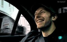 your smile is infectious! Great Bands, Cool Bands, Chris Martin Coldplay, Your Smile, My Heart, Singer, Guys, My Love, Life