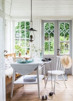 Brook House, Three Season Room, Bistro Kitchen, Cosy Home, Estilo Country, Vintage Interiors, Room Interior Design, Home Design Plans, Cottage Renovation