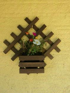 Patio Decor - Patio Design and Furniture Diy Home Crafts, Wood Crafts, Paper Crafts, Flower Holder, Flower Boxes, House Plants Decor, Plant Decor, Diy Popsicle Stick Crafts, Wood Projects