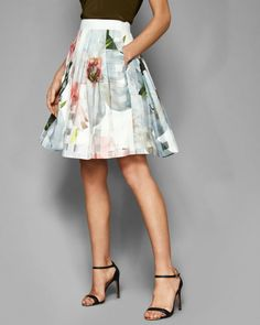 Introducing Ted Baker's skirt styles, from workwear skirts to evening skirts. Browse through suit skirts, printed pencil skirts, midi skirts and more. Cute Skirts, A Line Skirts, Short Skirts, Mini Skirts, Pleated Midi Skirt, High Waisted Skirt, Workwear Skirts, Ted Baker Skirts, Evening Skirts