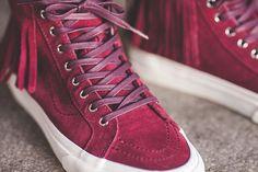 Vans SK8-HI Moc to nasza dzisiejsza propozycja dla kobiet /// Świętokrzyska 16 - www.streetsupply.pl /// #vans #sk8 #vanssk8hi #vanssk8 #vansskate #hypebeast #highsnobiety #streetwear #snkrfrkr #kickstagram #kicks #shoes #wdywt #womft #sneakerholics #sneakershouts #s7 #solecollector #sneakernews #snkrfrkr #sneakerfreaker #sneakeraddict #sneakerhead