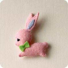 free Bunny Rabbit Patterns   Gingermelon Dolls: Free Felt Mini Bunny Pattern   Felt