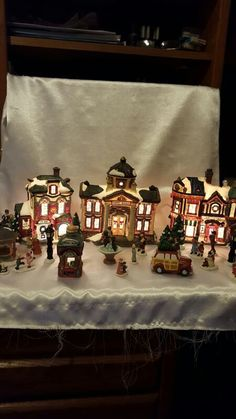 Used (normal wear) - I have this hand painted fine porcelain collectible light-up village set, that have a little over 20 pieces.  The one piece that's missing out of this set is the merry go round. All pieces are in good condition no chip from what I can see.  Serious inquiries only. My pick up point is 295 at Walmart on San Jose Blvd  (State Road 13)
