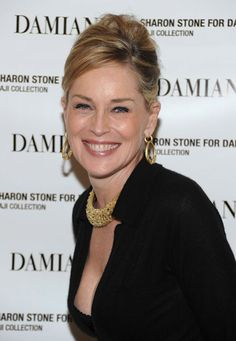 Sharon Stone - The 50 Most Beautiful Women Over 50 - Photos 50 Most Beautiful Women, Beautiful Old Woman, Best Facial Treatment, Divas, Interview Hairstyles, Sharon Stone Photos, Mother Of The Bride Hair, Beauty Regimen, Hollywood