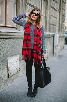 Drape a bold printed scarf around your neck & pair with a pop red lip to punch up a fall look.