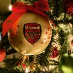 Very beautiful! #afc #arsenal #arsenalfc #afcgear #bauble #christmasdecorations #christmas2015 #christmasbauble #gunner #gunnersinternational #gunnersinternational #gooners #gooners by winstrid