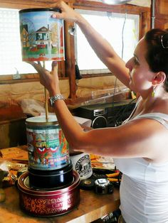 DIY Network has instructions on how to make a lamp from old kitchen tins. Diy Craft Projects, Home Projects, Craft Ideas, Decorating Ideas, Decor Ideas, Crafts To Sell, Fun Crafts, Diy Floor Lamp, Make A Lamp