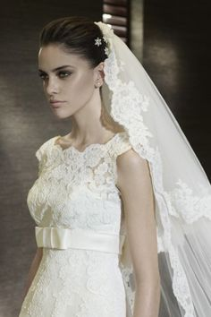 Two Layer  Lace Edge Long Wedding Veil With Applique V085 USD 44.99 EPP91NYFKL - ElleProm.com