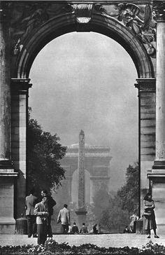 Chamade : Janine Niepce Paris circa 1950