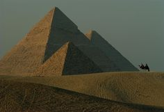 Blick auf die Pyramiden von Gizeh. Foto: James L. Stanfield  #Gizeh #Ägypten #Pyramide