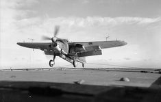 Planes, Royal Navy Aircraft Carriers, Photo Link, Second World, World War Two, Wwii, Landing, Fighter Jets, Aviation