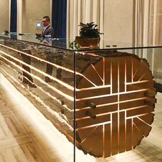Post with 4115 votes and 123415 views. Tagged with awesome, design, creativity; This hotel reception desk Lobby Design, Design Entrée, Design Desk, Creative Design, Hotel Reception Desk, Reception Desk Design, Reception Counter, Bar Counter, Reception Table