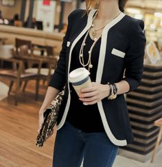 Casual Women's blazer. Trendy KPOP style fall fashion
