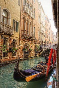 Gondola, Venice, Italy !!