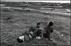 山坡上的笑聲 Laughter / 1988.紅羅罩 / 張詠捷 (Chang Yung-Chieh )