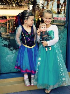 A Complete Review of Anna and Elsas Boutique (And How it Compares to the Bibbidi Bobbidi Boutique) from DLRPrepSchool.com