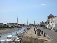 Noirmoutier French Food, Street View, Island, Top, North Sea, Islands, Crop Tee